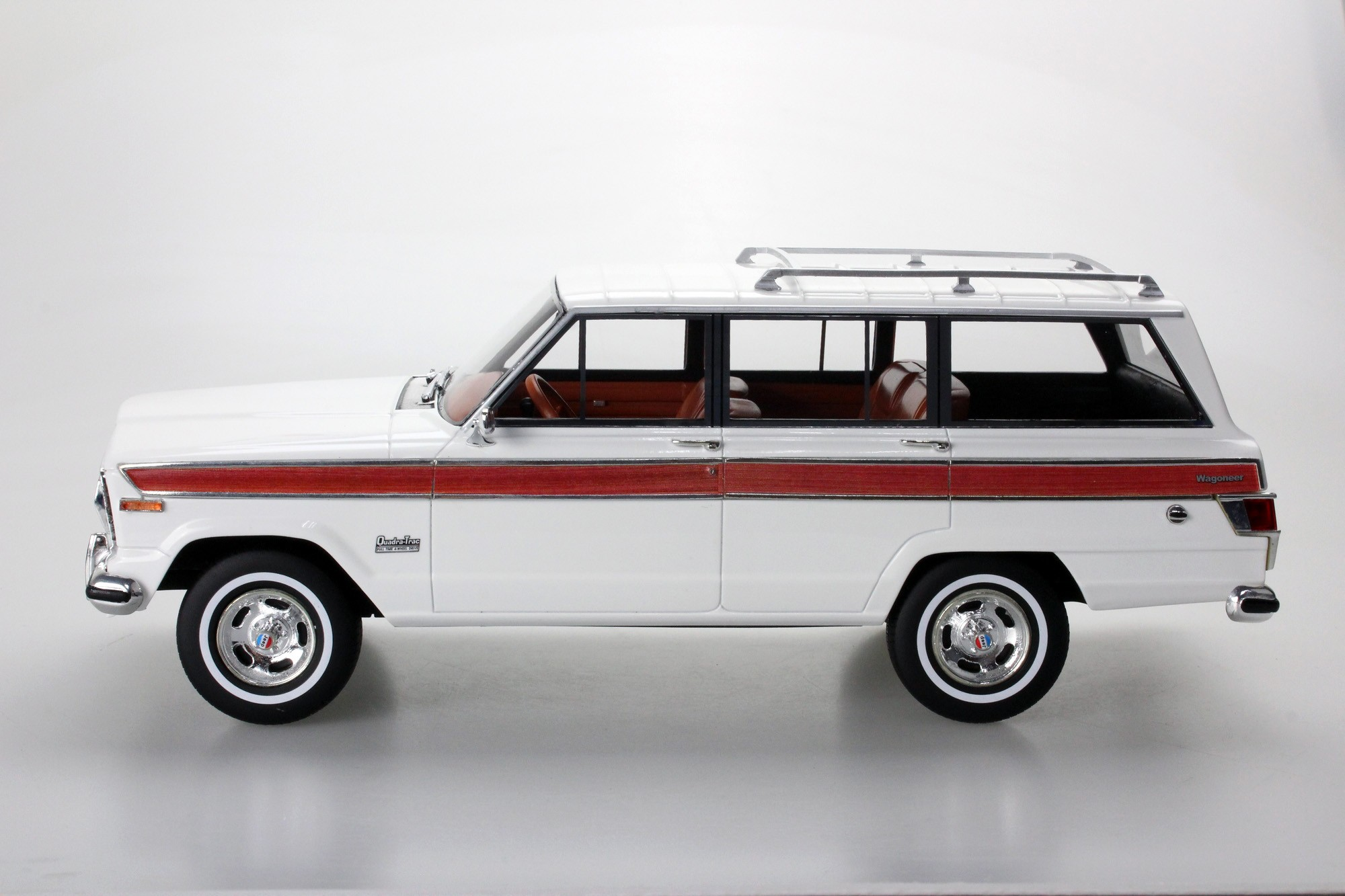 LS Collectibles Jeep Grand Wagoneer, 1:18 white | LS037C