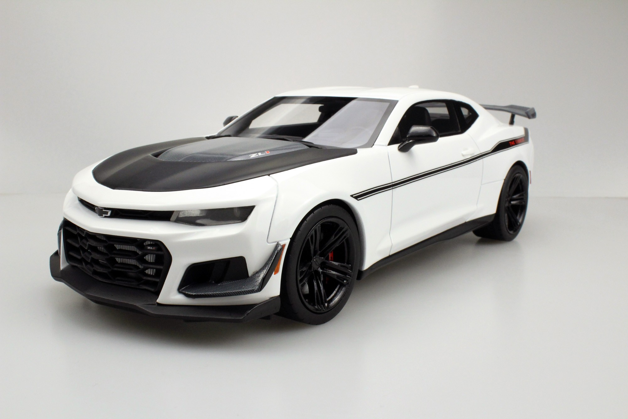 ls collectibles zl1 1le camaro hennessey exorcist pre. Black Bedroom Furniture Sets. Home Design Ideas